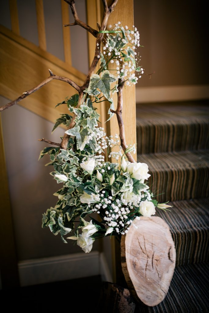 woodland wedding flower ideas for hire on a budget