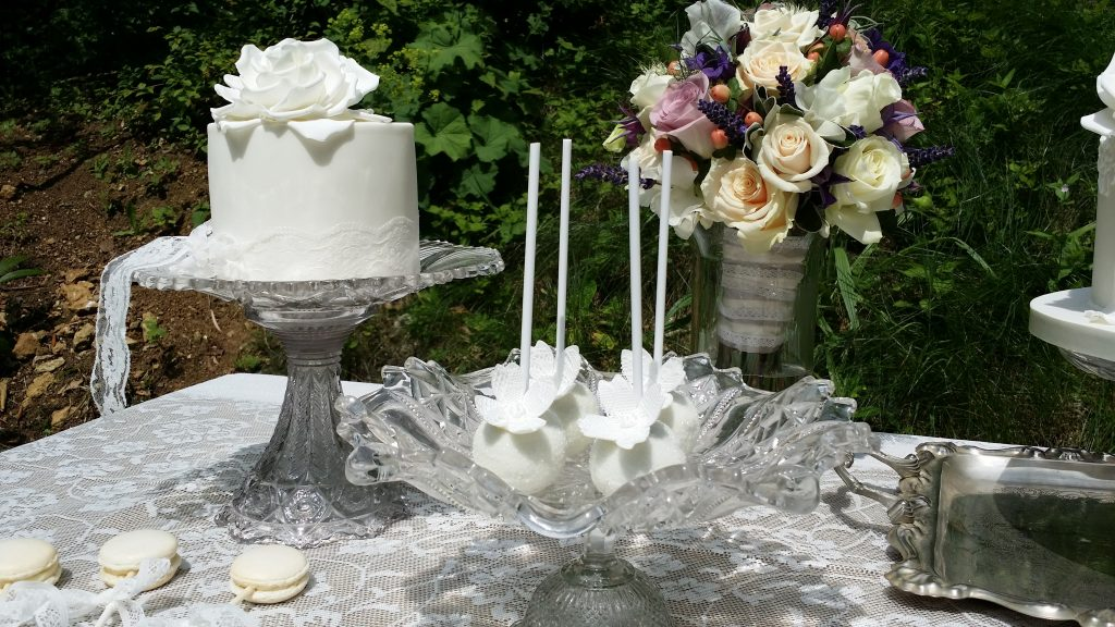 Glass or silver pedestal wedding cake stands for hire in the Cotswolds