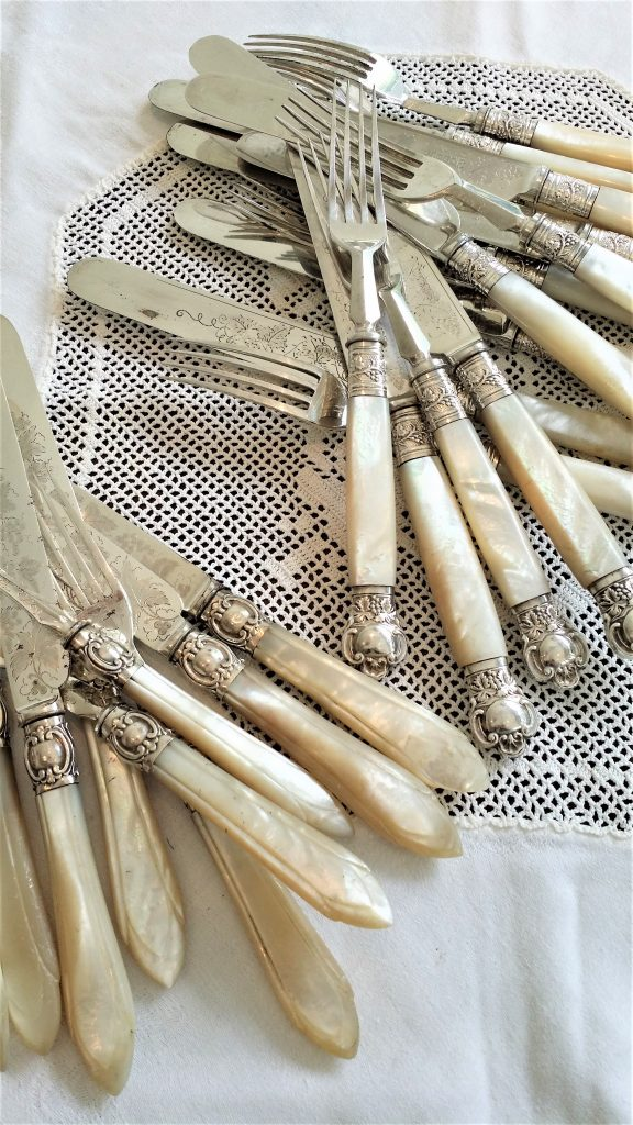 mother of pearl fruits knives and forks to hire for dinnerparties