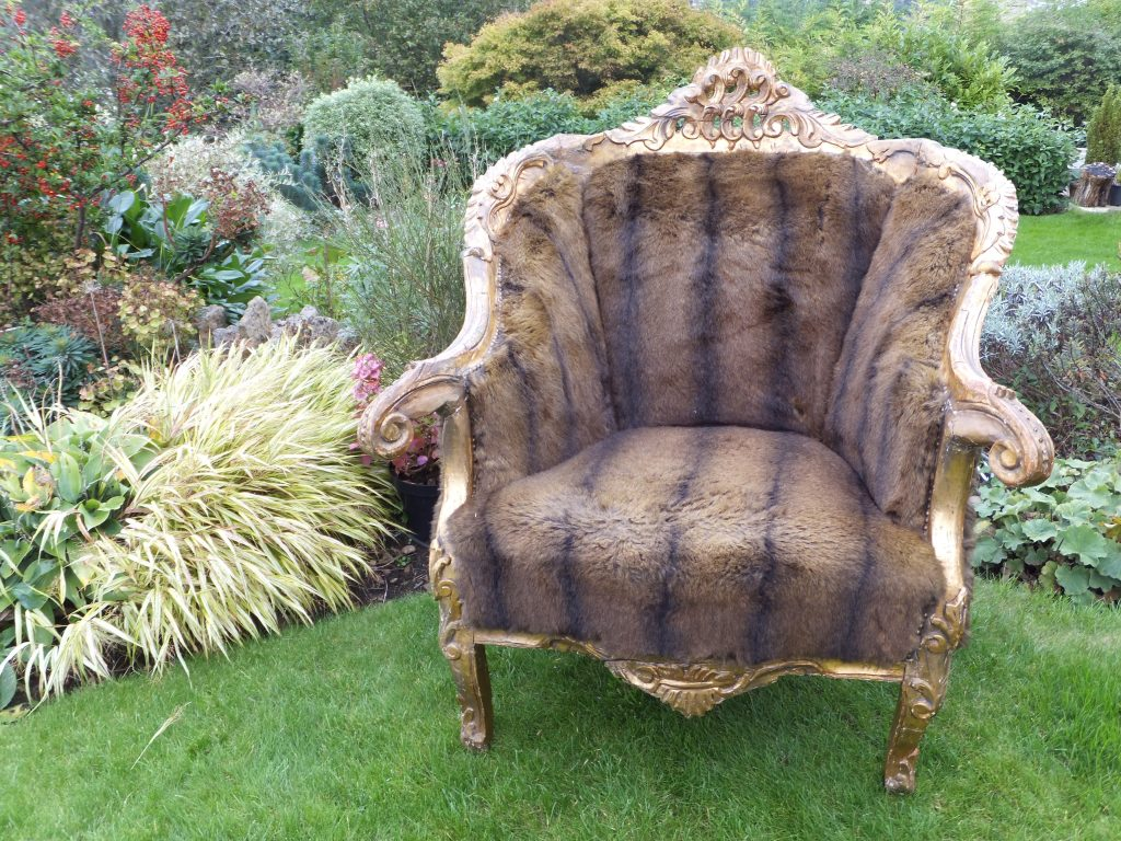 Vintage furniture to hire, the Bear chair for winter and woodland inspired weddings in the Cotswolds