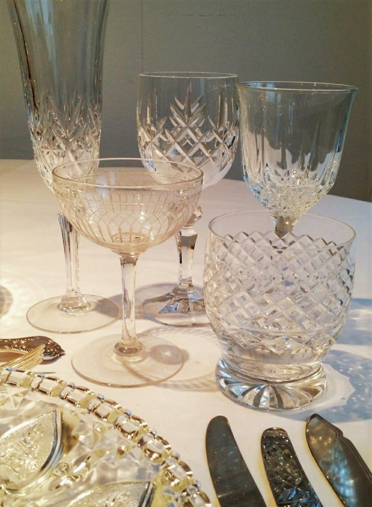 hire of vintage wine, water & champagne glasses with charger plate & vintage cultery