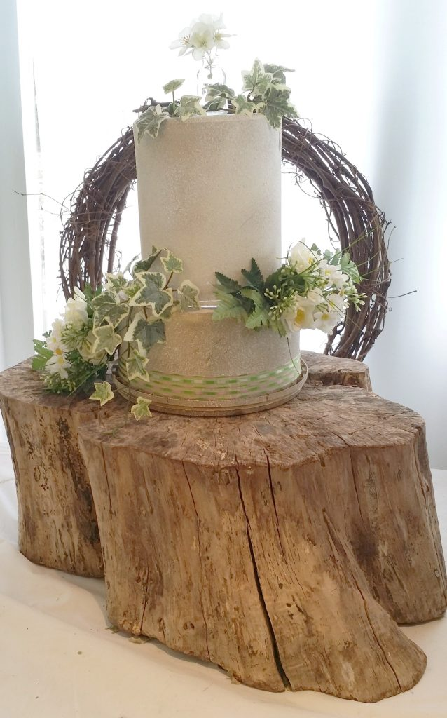 woodland chock cake stand for wedding cake hire