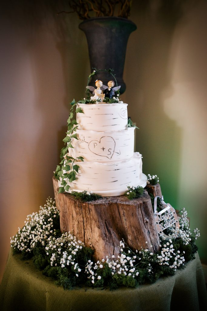 diy or hire wooden tree trunk for wedding cakestand